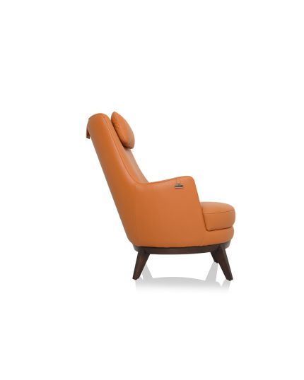 5853 Wing Chair